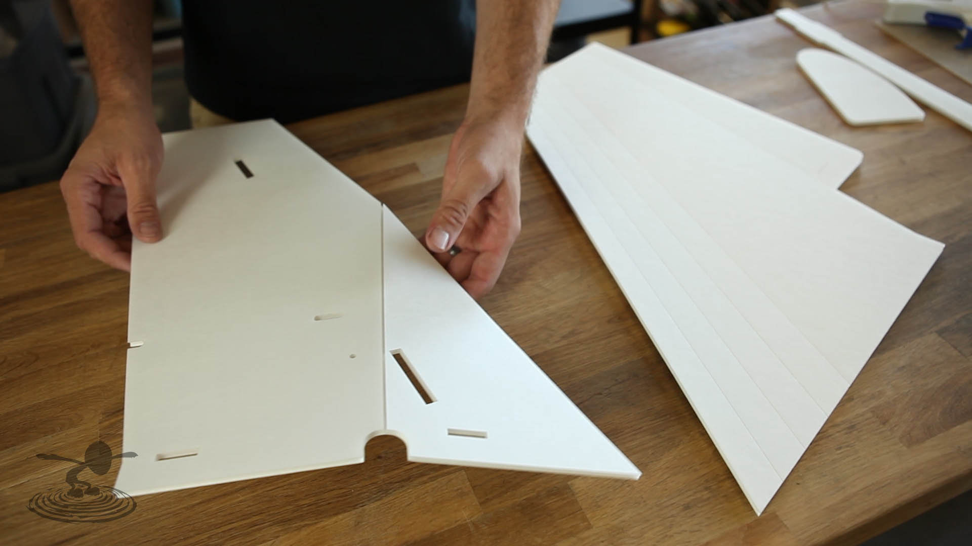 instructions for how to build a plane with popstickle sticks